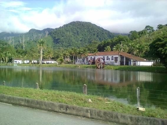 Descrição: D:\Ciep 495 (Português)\Excursão a Paraty\Fotos para o CEDERJ\16 - Fazenda Grataú, no Frade, em Angra dos Reis