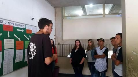 Descrição: A imagem pode conter: 5 pessoas, incluindo Nathiely Santos, pessoas em pé